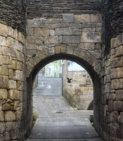 arch entrance door in the roman wall of lugo MCMCSET
